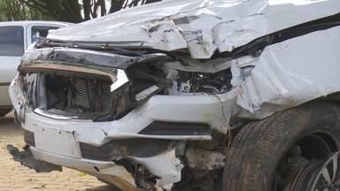 Policiais militares brigam em posto e um deles capota carro ao ser perseguido por viatura - Militar ficou ferido ao ser arremessado de veículo; ele foi levado para o Centro de Correição. Caso aconteceu durante a madrugada desta sexta, 21.