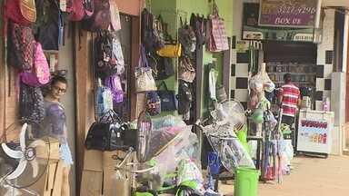 Lojas de Porto Velho abriram durante o feriado - Neste feriado de Tiradentes, algumas lojas abriram as portas em Porto Velho. Os comerciantes estão apostando no Dia das Mães, mas pouca gente foi às compras hoje.