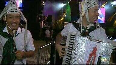 Festival Viva Dominguinhos realiza segunda noite de forró - Programação é opção no feriado