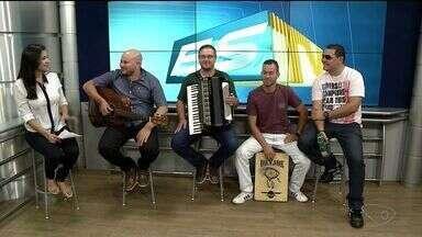 Músico Roni Dias se apresenta em Santa Teresa neste sábado (22) - Cantor esteve ao vivo no ESTV 1ª Edição.