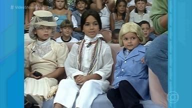 Crianças do 'Gente Inocente' homenageiam Chico Anysio - Humorista foi ao programa no ano 2000 e se divertiu com as miniaturas de seus personagens mais clássicos
