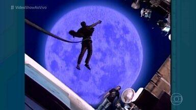 Confira os bastidores do voo de Sérgio Cabeleira para a lua - Personagem de Osmar Prado da novela 'Pedra Sobre Pedra' sofria efeitos fantásticos em noites de lua cheia