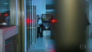 Adriana Ancelmo pode voltar para a cadeia - Ex-primeira dama vai prestar depoimento nesta quinta-feira(27/04) na Justiça Federal em Curitiba.