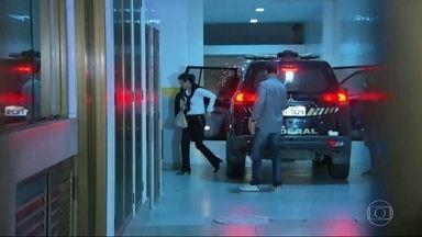 RJTV Segunda Edição - Edição de quarta-feira, 26/04/2017 - Justiça manda Adriana Ancelmo voltar para cadeia. Mas pode ser que a ex-primeira dama continue cumprindo prisão domiciliar no apartamento dela, no Leblon. E mais as notícias do dia.