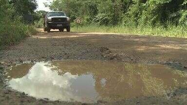 Moradores reclamam de estrada em Cananéia - Problema acontece no bairro Ariri