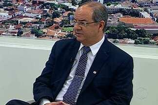 MGTV Responde: em Uberaba, advogado tira dúvidas sobre a reforma trabalhista - Advogado Ricardo Marques Perdigão tira dúvidas de telespectadores.