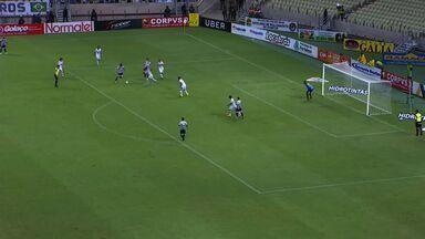 Aos 39, Raul, fora da área, recebe livre e marca no Castelão - Raul faz o segundo gol