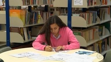 Estudante de escola pública de Marília recebe menção honrosa da NASA - A estudante de uma escola pública de Marília (SP) recebeu uma menção honrosa da NASA, depois de participar de um concurso feito pela Agência Especial Americana. Ela foi o destaque em meio a mais de mil estudantes do mundo todo.