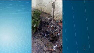 Telespectador envia imagens de desperdício de água em Campina Grande - Cagepa diz que o problema vai ser solucionado.