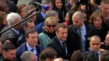 União Europeia comemora a derrota da extrema-direita na França - Merkel promete ajudar Macron a combater o desemprego na França.Trump também parabenizou Macron e disse que quer trabalhar com ele.
