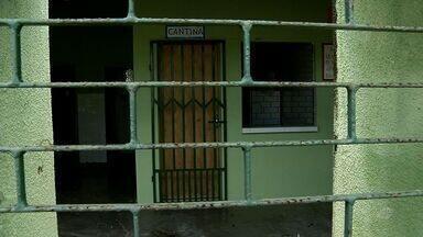 Pais e alunos protestam contra fechamento de escolas na cidade de Graça, no Ceará - Pais e alunos protestam contra fechamento de escolas na cidade de Graça, no Ceará.