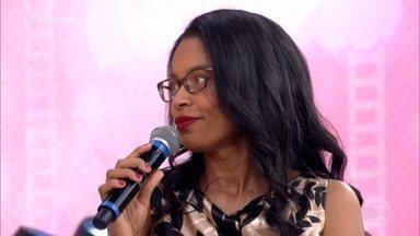 Juíza chegou a trabalhar como faxineira para bancar os estudos - Dra. Adriana lançou um livro sobre sua história, 'Dez Passos para Alcançar Seus Sonhos: A História Real da Ex-faxineira que Virou Juíza de Direito'