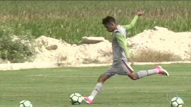 Pela Copa do Brasil, Fluminense se prepara para enfrentar o Grêmio em Porto Alegre - Pela Copa do Brasil, Fluminense se prepara para enfrentar o Grêmio em Porto Alegre
