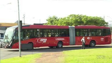 Superbus deve ser implantado somente em 2019 - A implantação do sistema de transporte rápido de Londrina vai sofrer atraso, segundo a CMTU. Já o projeto do passe livre foi protocolado na Câmara. Segundo as empresas de ônibus as mudanças terão impacto no valor da tarifa pra todos os usuários.