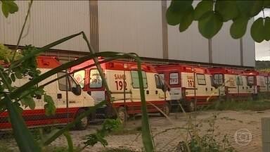 Ambulâncias doadas a cidades do interior de MG estão paradas por burocracia - Enquanto isso, a população sofre sem ter a quem recorrer nos casos de emergência.