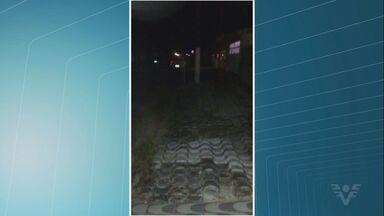 Moradores reclamam de falta de luz em bairro de Praia Grande, SP - Problema acontece no bairro Solemar