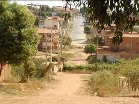 Blitz do MG: Moradores do Bairro Monte Carmelo reclamam da falta de infraestrutura - Falta de asfalto é um dos problemas.