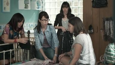 Keyla desabafa com as amigas sobre as desconfianças de K2 - Ellen aconselha Keyla a procurar Deco, mas a menina diz estar certa sobre a decisão de manter a paternidade de Tonico em segredo