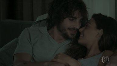 Ritinha percebe que Ruy está com ciúmes de Zeca - Casal se emociona com ultrassonografia do bebê
