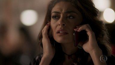 Bibi escuta as mensagens de Rubinho - Ela fica intrigada com a ausência do marido