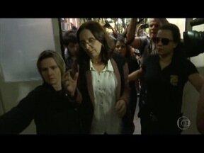 Irmã do senador Aécio Neves segue presa em penitenciária de Belo Horizonte - Ela foi presa na Região Metropolitana de Belo Horizonte pela PF, por suspeitas de que ela tenha pedido dinheiro ao empresário Joesley Batista, dono do grupo JBS.