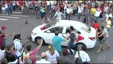 Milhares de pessoas vãs às ruas pedir a saída do presidente Michel Temer - Em São Paulo, os manifestantes se concentraram em frente ao Masp, na Avenida Paulista e seguiram em passeata.