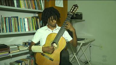 Jovem violonista vai representar a Paraíba numa competição internacional de música nos UEA - Jeilson Morais vai representar Campina Grande numa competição internacional de música nos Estados Unidos.