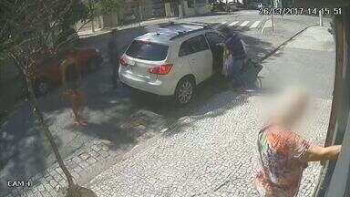 Polícia prende acusados de envolvimento no sequestro de médica - Crime ocorreu em março, no bairro Gonzaga, em Santos.
