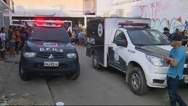 Caminhoneiro é morto por colega de profissão após briga por frete, em Manaus - Vítima foi morta a facadas no fim da tarde desta sexta-feira (19). Esposa do homem tentou impedir homicídio e ficou ferida.