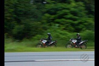 Detentos armados fogem do Presídio de Santa Izabel, no nordeste do Pará - Fugitivos fizeram quatro agentes prisionais de reféns.