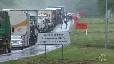 Pista molhada faz aumentar em 40% risco de acidentes - Estimativa é da Polícia Rodoviária Federal.