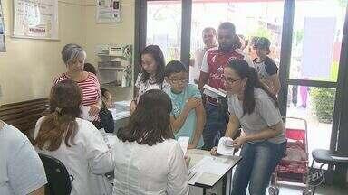Moradores de Valinhos aproveitaram o sábado para se imunizar contra febre amarela - Morte de macaco na cidade pela versão silvestre da doença, foi confirmada; mais de 3 mil pessoas foram vacinadas somente hoje.