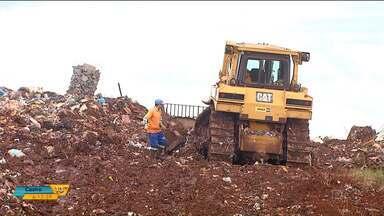 Projetos transformam lixo em energia elétrica e em dinheiro em Cascavel e Londrina - Lixo que não é lixo se transforma em energia e também em recursos que geram emprego. Veja as iniciativas de quem pensa em fazer o bem para o bolso e também para o meio ambiente.