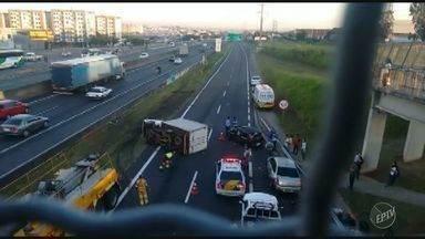 Acidente entre três veículos complica trânsito na Rodovia Anhanguera, em Campinas - Acidente foi próximo ao Campinas Shopping e foi causado por um motorista embriagado, segundo a Polícia.