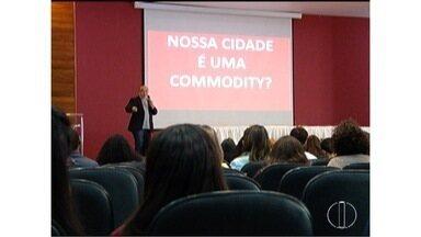 Fórum discute soluções urbanísticas para Montes Claros - Moradores do Bairro Jardim Primavera reclamam da falta de infraestrutura.