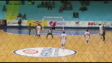 Foz Cataratas vence de virada - Time da fronteira venceu São Lucas de virada no ginásio Costa Cavalcanti.