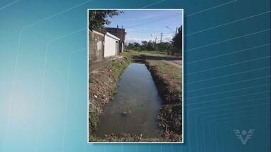 Moradores reclamam de falta de asfalto em Praia Grande, SP - Problema acontece no bairro Sitio do Campo