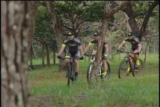 Uberlandenses mostram rotina de treinos antes de ultramaratona de mountain bike em Minas - Neste sábado tem a Ultramaratona de Mountain Bike Canastra Warriors. A prova será no Parque Nacional da Serra da Canastra e tem uberlandenses na disputa