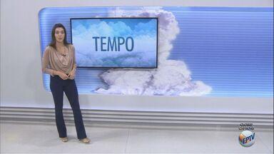 Ventania provoca queda de temperatura e quinta tem previsão de chuva - Termômetros marcam mínima de 14º em Nova Odessa (SP) e máxima de 18º em Pedra Bela (SP).