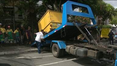 Justiça proíbe venda de produtos em calçadas perto do Parque do povo - Os comerciantes que já estavam no local foram retirados.