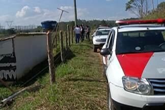 Operação da Polícia Militar Ambiental embarga dezenas de obras em Mogi das Cruzes - Ações foram dentro de condomínio.