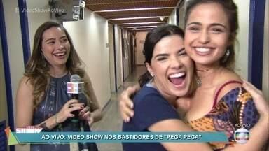 Vídeo Show invade os bastidores de 'Pega Pega' ao vivo - Nanda Costa e Vanessa Giácomo falam sobre a nova novela das 7