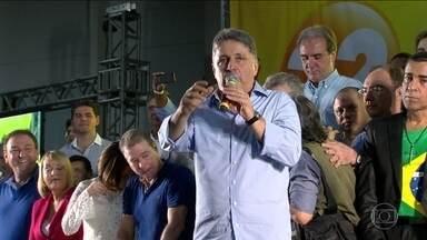 MP do Rio volta a pedir a prisão do ex-governador Garotinho - Garotinho é réu num processo sobre compra de votos. O que motivou novo pedido de prisão de Garotinho foi o constrangimento de testemunhas, segundo o MP.