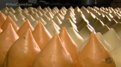 Fernando Kassab apresenta uma coxinha de chocolate no quadro 'Segredos da Cozinha' - A receita do quadro 'Segredos da Cozinha' deste sábado (20) irá te surpreender! Fernando Kassab foi a São José do Rio Pardo (SP), na região da EPTV Central, onde acompanhou o preparo de uma coxinha, mas dessa vez a massa é de chocolate e o recheio é de brigadeiro.