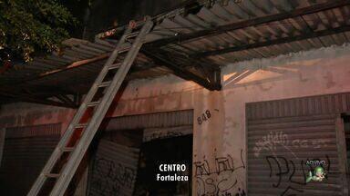 Incêndio destrói estabelecimento no Centro de Fortaleza - Incêndio destrói estabelecimento no Centro de Fortaleza