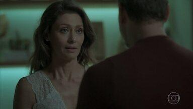 Joyce diz a Eugênio que quer resgatar a relação deles - Ela promete apoiar as escolhas do marido