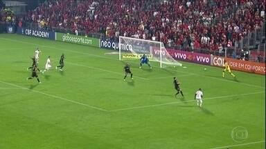 Ponte Preta não joga bem e perde para o Flamengo no Rio - Ponte Preta não joga bem e perde para o Flamengo no Rio