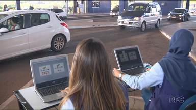 Estudantes de Foz fazem levantamento sobre as pessoas que passam pelas aduanas - Eles querem saber quem são e quantos pessoas passam todos os dias pelas pontes da Amizade, na fronteira com o Paraguai, e na Tancredo Neves, que liga o Brasil à Argentina.