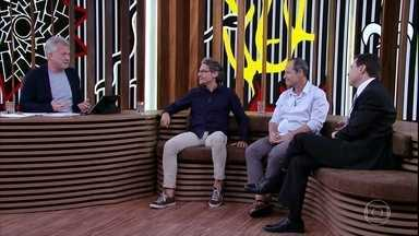 Pedro Bial afirma que paixão por Zélia despertou o humor em Ariano Suassuna - Convidados falam sobre a forma como o autor empregava a comédia em suas palestras e entrevistas