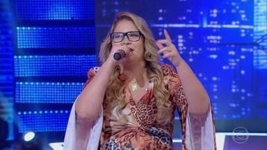 Marília Mendonça canta 'Infiel' - Cantora levanta a plateia do 'Caldeirão' com sucesso